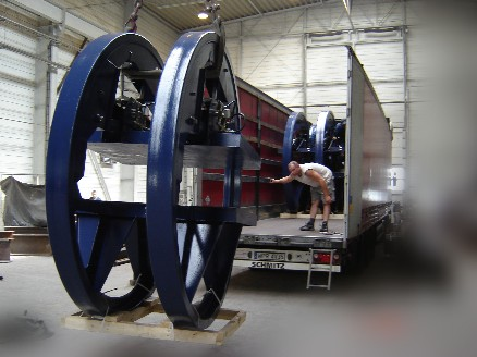 Finishing process support for the blades of wind power plants